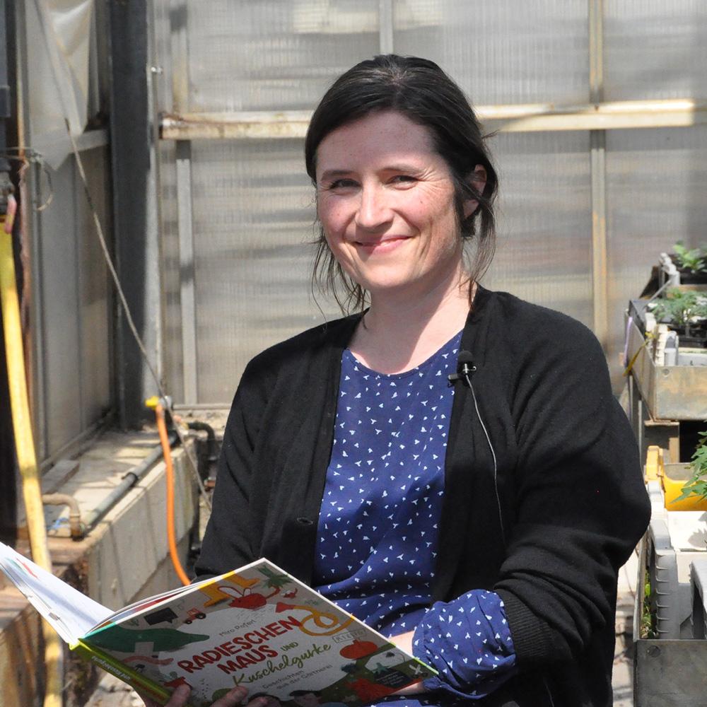 Dreh für die Münchner Bücherschau Junior. Miro Poferl liest.